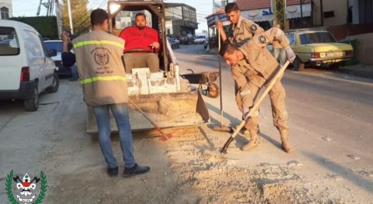 تسرب مادة المازوت في أحد شوارع بلدة العباسية قضاء صور