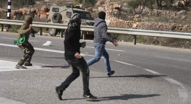 إصابة 21 فلسطينيا بمواجهات مع الجيش الإسرائيلي في نابلس شمالي الضفة الغربية