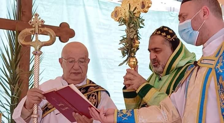 المطران سفر ترأس قداس الشعانين في كنيسة القديس جاورجيوس في زحلة
