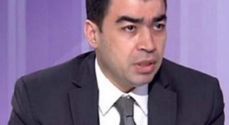 أبي خليل: القوات والاشتراكي يقطعان الطرقات في عدد من المناطق