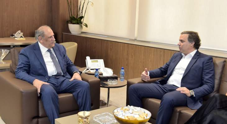 الجراح عرض تفعيل العلاقات مع قنصل لبنان في البرازيل