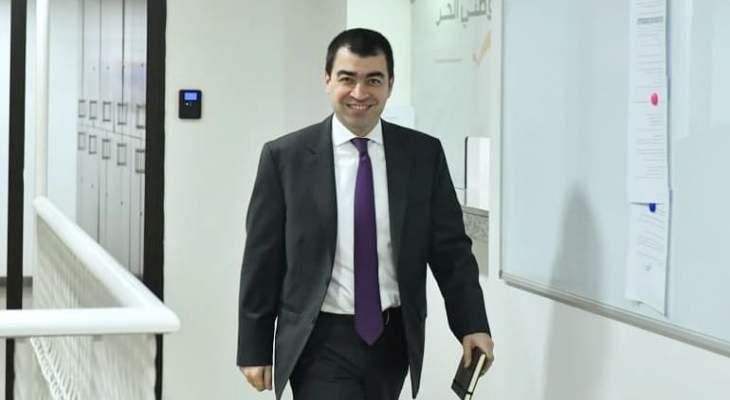 أبي خليل: آليةالتعيينات تتعدى على صلاحياتمجلس الوزراء والوزير