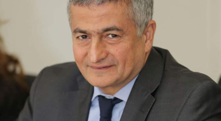 الوزير يوسف خليل: لم أشارك بالهندسات المالية ويجب مساعدة المواطن بظل الفقر الشديد