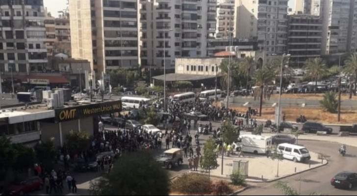 مصادر النشرة: الرواية الأولية تتحدث عن وجود قناصين أطلقوا النار على المتظاهرين بالطيونة