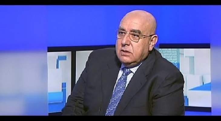 مصطفى حمدان: التظاهر من أجل الجوع حق مشروع
