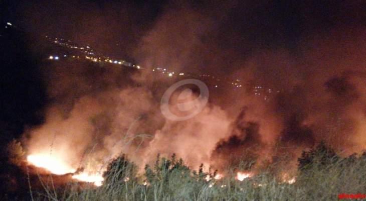 النشرة: حريق ضخم في بصاليم والدفاع المدني يعمل على إخماده