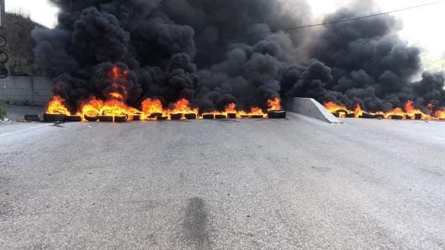 إطلاق نار في منطقة بعلشميه جراء اشكال على خلفية قطع الطريق