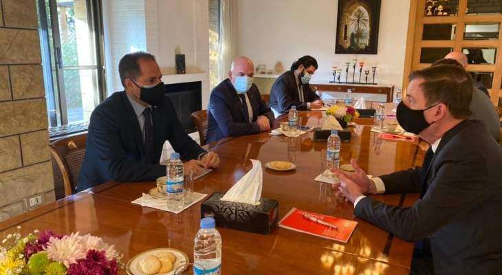 سامي الجميل بحث مع ديفيد هيل في آخر التطورات في لبنان والمنطقة