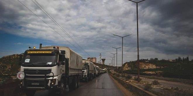 الهلال الأحمر السوري: توزيع 35 شاحنة من المساعدات الإغاثية على مناطق عدة بدرعا