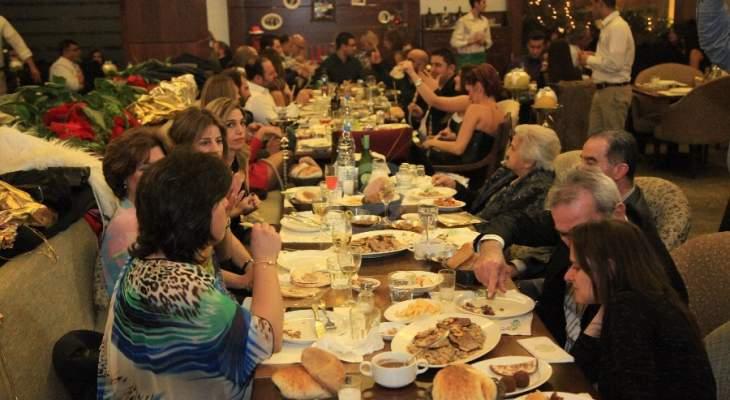 الجديد: أصحاب المطاعم في انطلياس يرفضون اقفال مطاعمهم عند التاسعة والنصف ليلاً