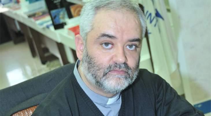 الأب هاشم: الخطاب الديني هو الأداة التي يُشحن بها الأفيون في عقول المؤمنين