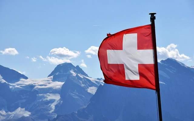 رئيسة سويسرا: علينا أن نتعايش مع كورونا بينما ننتظر توافر لقاح