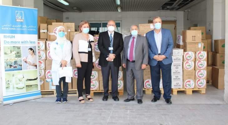 نقابة الصيادلة سلمت مستشفى بيروت شحنتين من الأدوية والمستلزمات الطبية هبة من الأردن