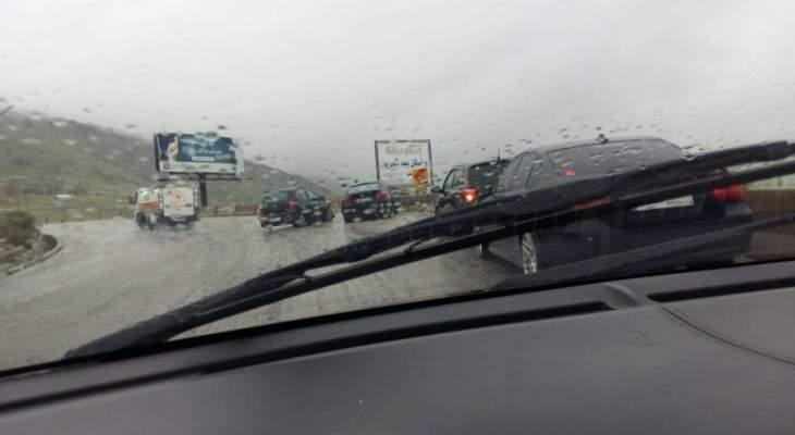 النشرة: حادث سير بين سيارتين على طريق عام الخردلي النبطية والاضرار مادية
