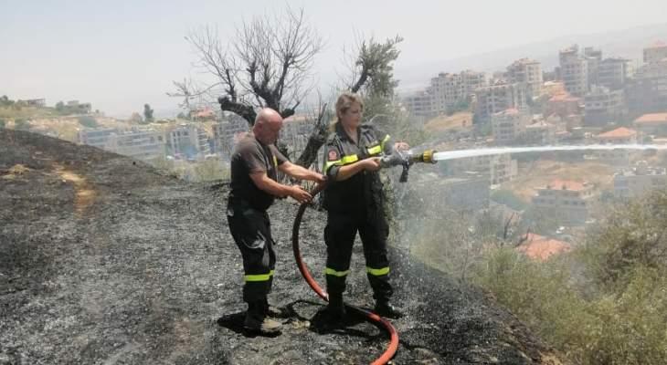 الدفاع المدني أخمد حريقا في عين الغصين أتى على مساحة شاسعة من الأعشاب والأشجار