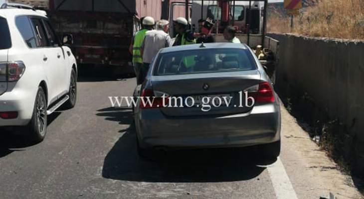 حركة المرور كثيفة على طريق عام ضهر البيدر بالاتجاهين بسبب حادث مروري بالمكان