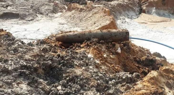 العثور على صاروخ قديم من مخلفات العدو الاسرائيلي بين الطيبة ودير سريان