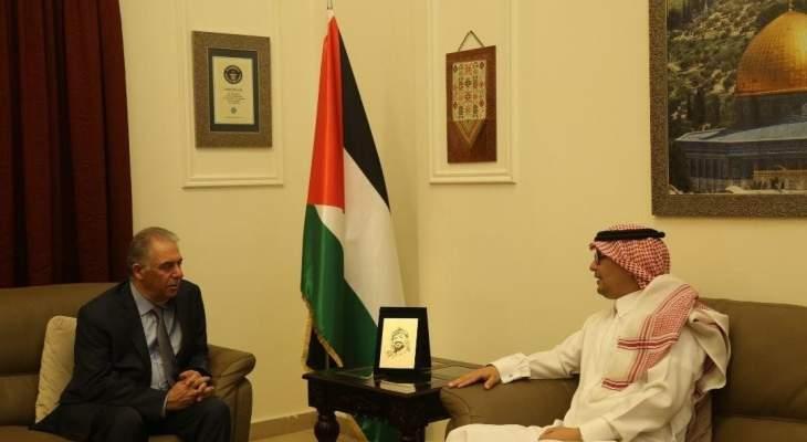 البخاري زار سفير فلسطين بلبنان: لتكاتف الجهود الدولية لإيقاف العدوان الإسرائيلي فورا