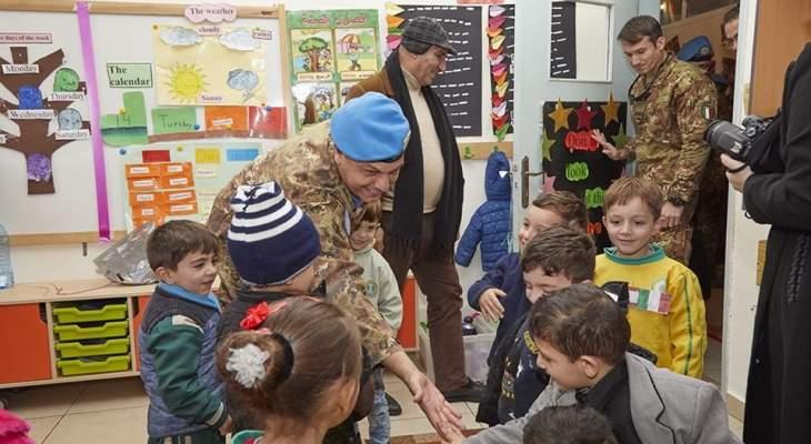 جولة لقائد القطاع الغربي لليونيفيل بمدرسة المبرات في بنت جبيل