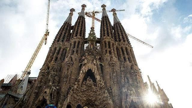 الشرطة الأسبانية تكتشف مخطط ارهابي لتفجير كنيسة ساغرادا فاميليا في برشلونة
