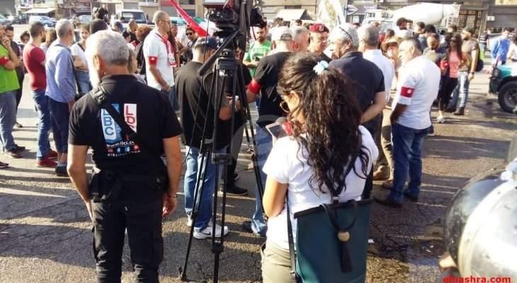 النشرة: وصل المتظاهرين الى مرفأ بيروت وسط إجراءات أمنية مشددة