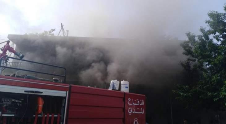 الدفاع المدني يخمد حريقاً شب بأعشاب يابسة في زحلة
