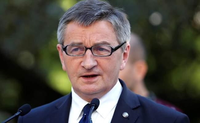 رئيس برلمان بولند أعلن اعتزامه الاستقالة بعد اتهامه باستخدام طائرات حكومية لرحلات خاصة