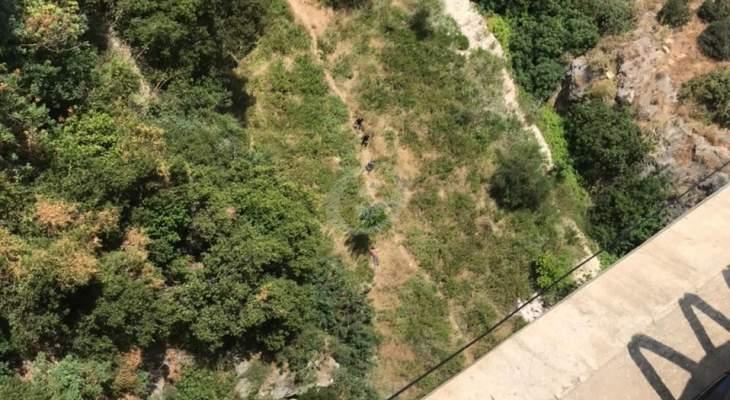 النشرة: وفاة شخص إثر سقوطه من جسر كازينو لبنان في جونية