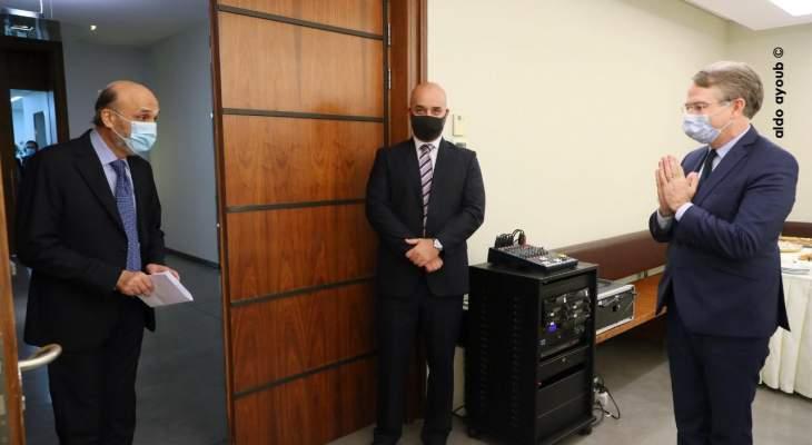 جعجع حمّل دوريل رسالة لماكرون يطلب دعمه لإرسال لجنة تقصي حقائق حول انفجار مرفأ بيروت