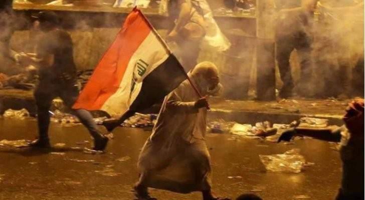 جرحى بإطلاق رصاص في ساحة الخلاني في بغداد ليلا