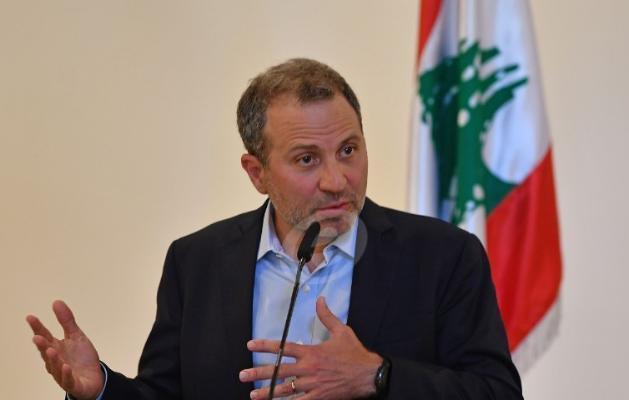 الشرق الاوسط: معلومات عن إطاحة باسيل التشكيلة الوزارية بغطاء من عون