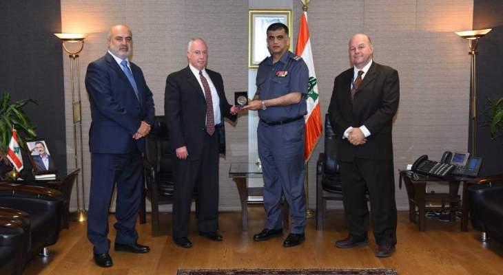 اللواء عثمان استقبل عائلة الشهيد فرج والملحق الأمني لدى السفارة الاميركية