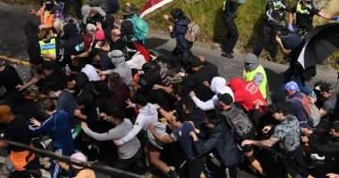اشتباكات بين الشرطة ومتظاهرين رافضين للإغلاق في أستراليا واعتقال 200 شخص