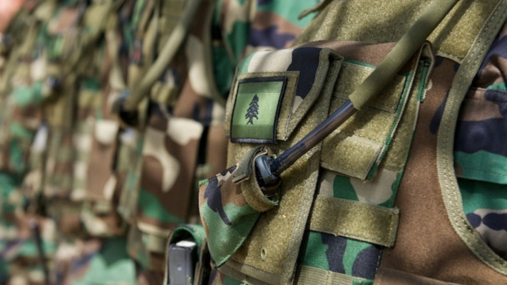"""مصادر """"المنار"""": الجيش أوقف مجموعة """"قواتية"""" مسلحة بكامل عتادها وذخيرتها في جبل لبنان"""