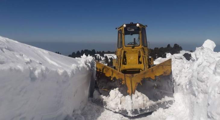 طرقات مقطوعة في عدد من المناطق الجبلية بسبب الثلوج