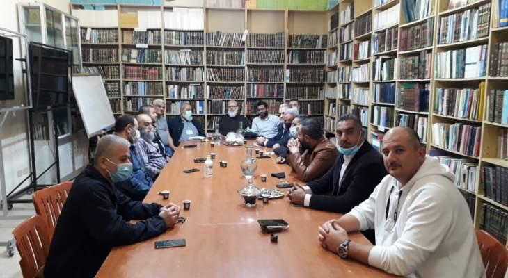 المعلمون الفلسطينيون اجتمعوا بالقوى الإسلامية وأنصار الله بعين الحلوة