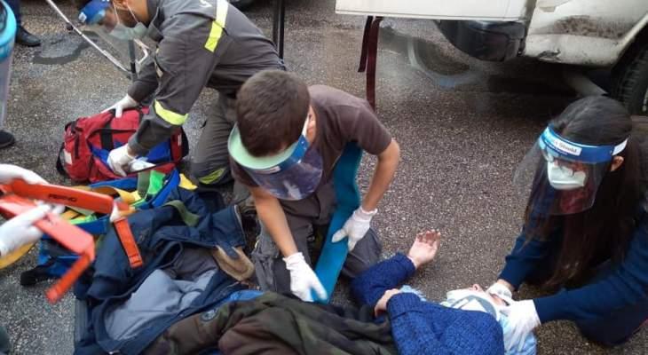 الدفاع المدني: اصابة فتاة جراء حادث صدم في الطريق الجديدة