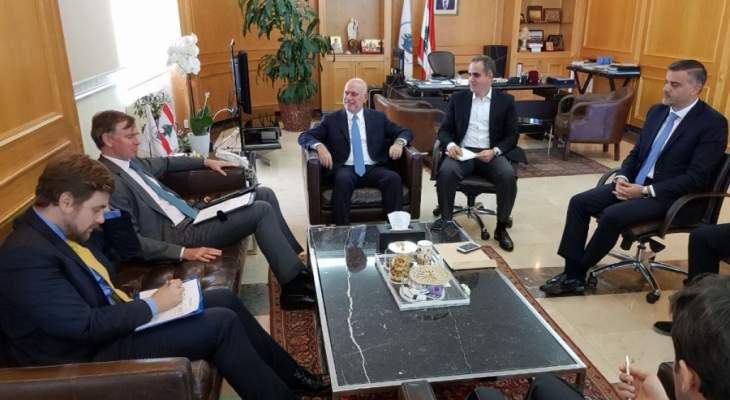 فنيانوس بحث تطبيق معايير الانظمة العالمية للطيران مع سفير بريطانيا