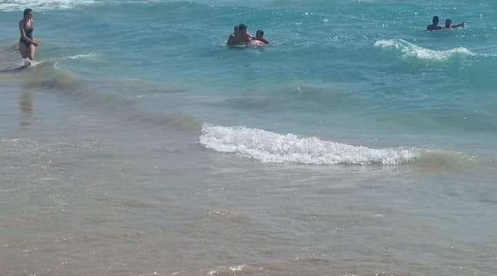 الدفاع المدني: إنقاذ 4 مواطنين كادوا أن يغرقوا مقابل شاطئ صور