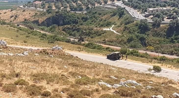 اعمال حفريات وتدشيم للجيش الإسرائيلي على الحدود الجنوبية في المطلة