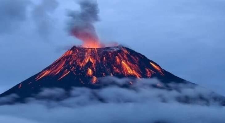سلطات اميركا تطلب من آلاف السكان في هاواي الاحتماء جراء ثوران بركان