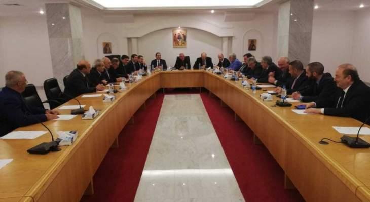 الروم الكاثوليك: لمحاربة الفساد من خلال عمل مؤسساتي مرفق بالقرائن والأدلّة