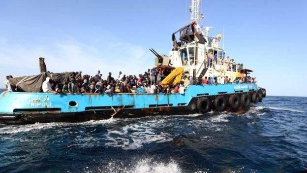 خفر السواحل الإسباني ينقذ عشرات المهاجرين بمحيط الكناري