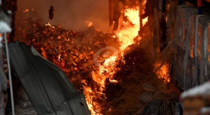 الجيش: الشرطة العسكرية باشرت التحقيق في حريق المرفأ