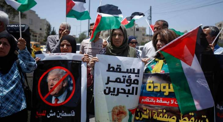 NBN: بدا مؤلماً إلى حد الوجع مشهدُ الصحافيين الصهاينة وهم في غزوة لأرض وسماء العرب في البحرين