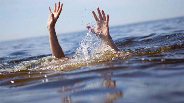 النشرة: العثور على جثة في البحر قبالة الصرفند يرجح ان تكون عائدة لاحد ركاب قارب الهجرة