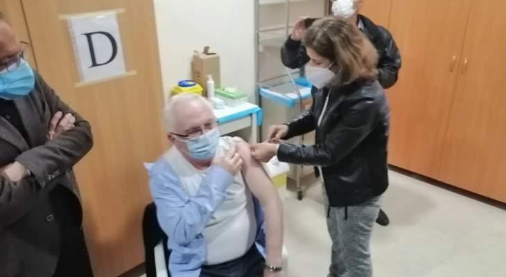 """ضاهر افتتح عملية التلقيح بلقاح """"سبوتنيك V"""" الروسي في مستشفى الهراوي بزحلة"""