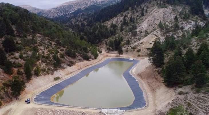 إنجاز بحيرة اصطناعية لتجميع المياه لري الأراضي الزراعية في أعالي بلدة فنيدق