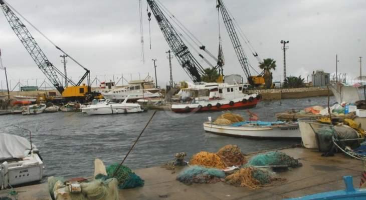 النشرة: توقيف حركتي الملاحة والصيد البحري في صيدا