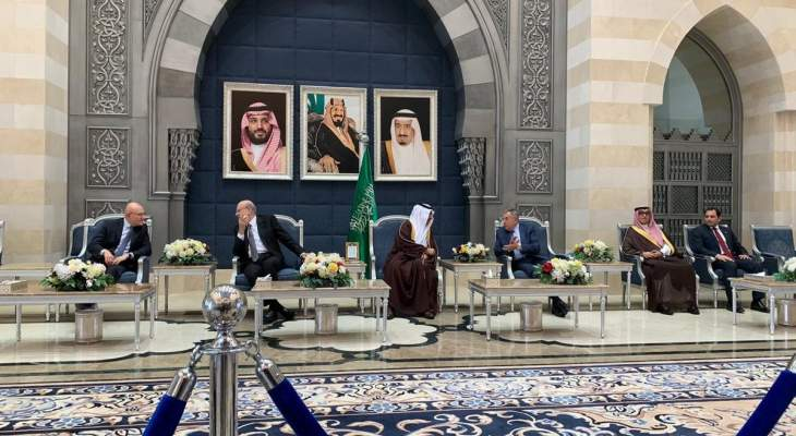 وصول وفد رؤساء الحكومة السابقين الى السعودية